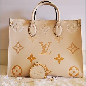 ‼️SOLD‼️Louis Vuitton OntheGo Pool Edition Cream S